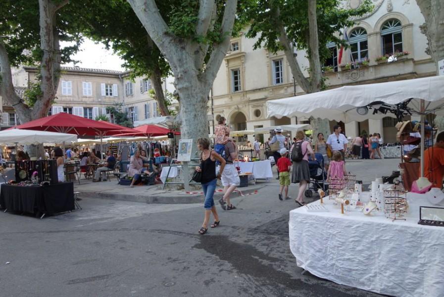 Le march des cr ateurs for Entretien jardin st remy de provence